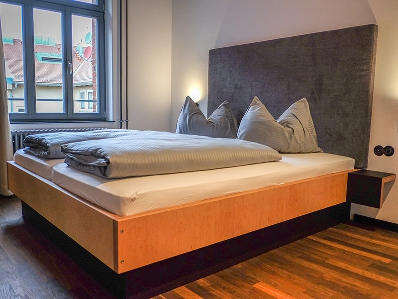 Bruderherz double bed room, city center Nuremberg - a few minutes from the main train station
